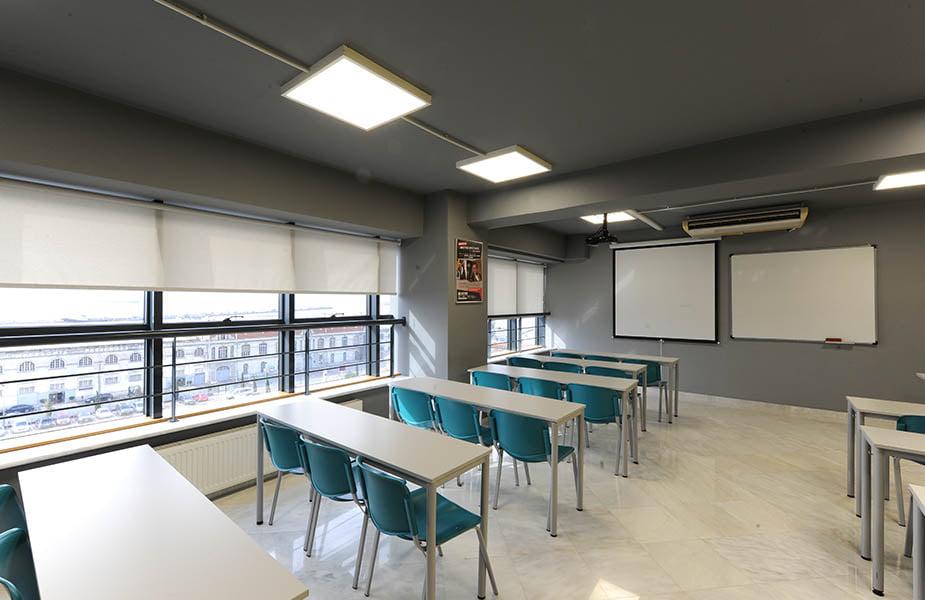 ΙΕΚ ΑΚΜΗ: Εργαστήριο Σχολής Διοίκησης Επιχειρήσεων