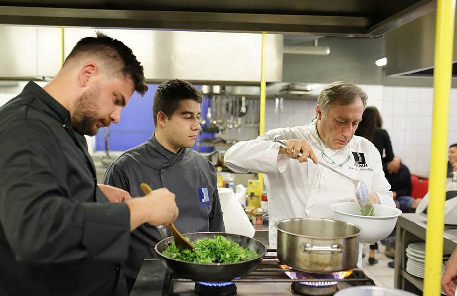 ΙΕΚ ΑΚΜΗ: Σχολή Μαγειρικής Γιάννης Μπαξεβάνης