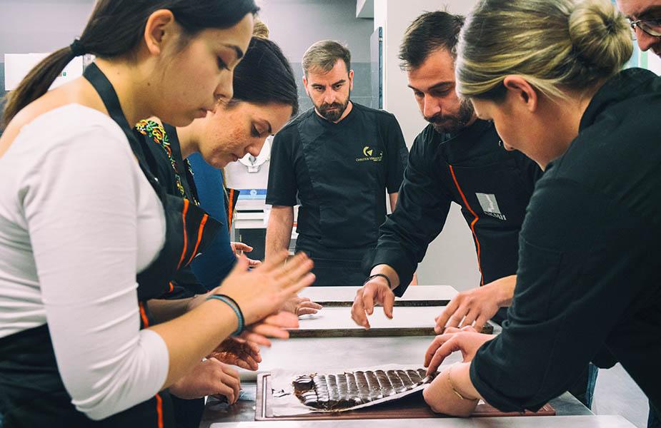 ΙΕΚ ΑΚΜΗ: Σχολή Αρτοποιίας-Ζαχαροπλαστικής Χρήστος Βέργαδος