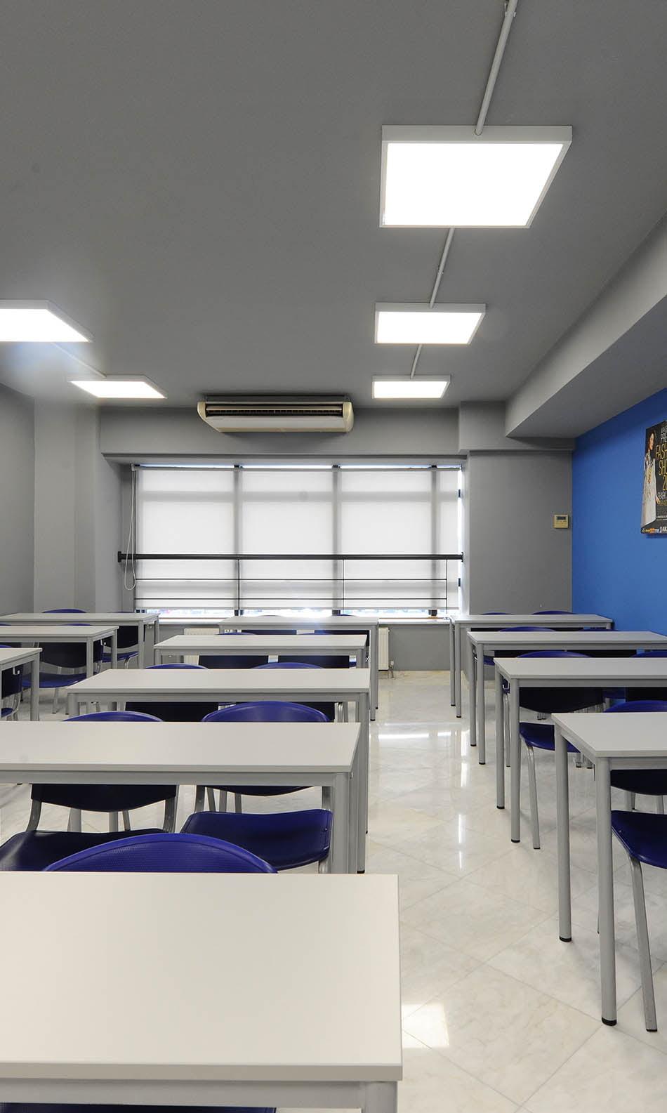 ΙΕΚ ΑΚΜΗ: Εργαστήριο Σχολής Ναυτιλιακών Σπουδών