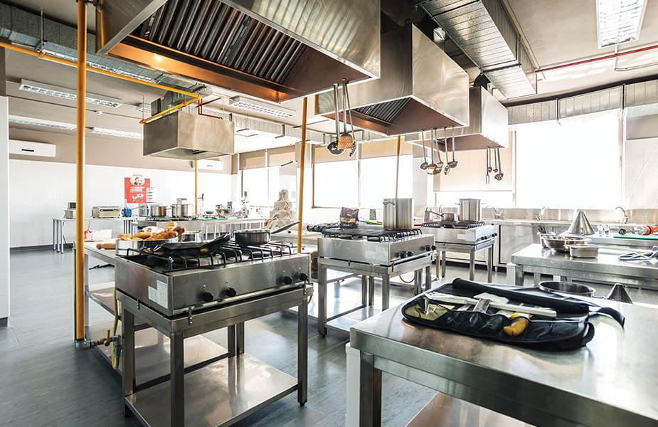 ΣχολήΙΕΚ ΑΚΜΗ: Εργαστήριο Σχολής Αρτοποιίας-Ζαχαροπλαστικής Αρτοποιίας-Ζαχαροπλαστικής Εργαστήριο-8
