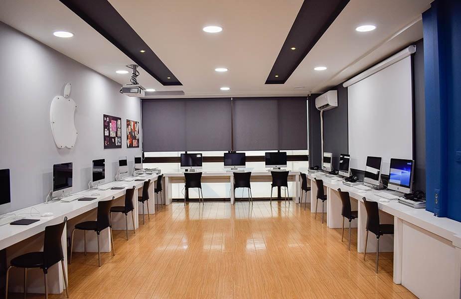 ΙΕΚ ΑΚΜΗ: Εργαστήριο Σχολής Γραφιστικής-Graphic Design