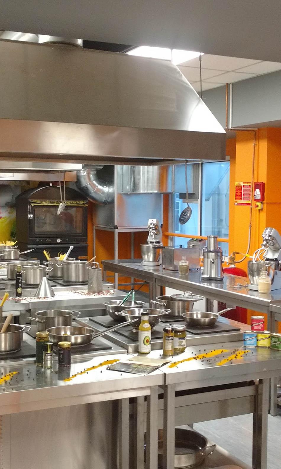 ΙΕΚ ΑΚΜΗ: Εργαστήριο Σχολής Μαγειρικής-Chef
