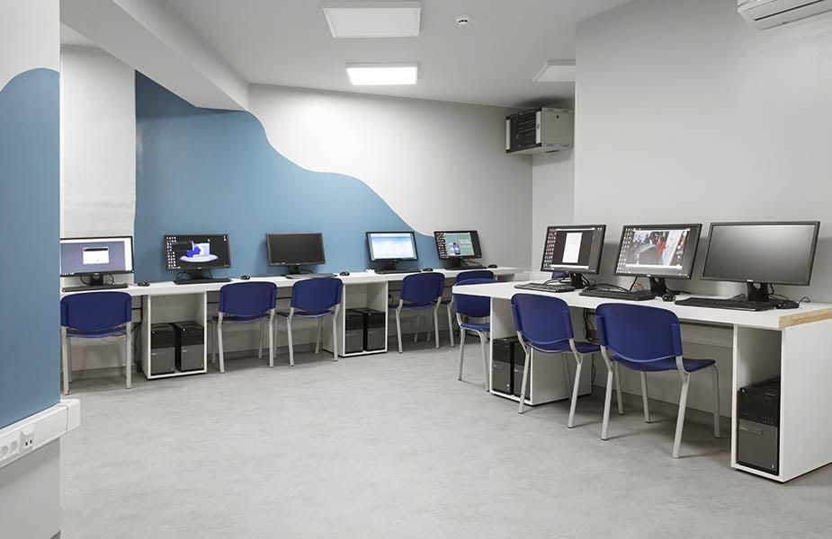 ΙΕΚ ΑΚΜΗ: Εργαστήριο Σχολής Web Design & Games Development