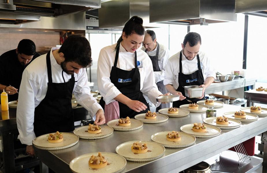 Γεύμα υψηλών προδιαγραφών στο εστιατόριο του ΙΕΚ ΑΚΜΗ στη Ρόδο