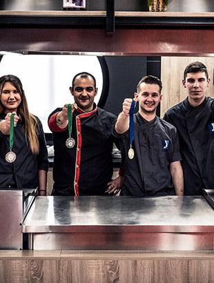 Οι σπουδαστές Μαγειρικής & Ζαχαροπλαστικής του μεγαλύτερου ΙΕΚ στην Ελλάδα έκλεψαν τις εντυπώσεις στο πλαίσιο της 5ης ΕΞΠΟΤΡΟΦ!