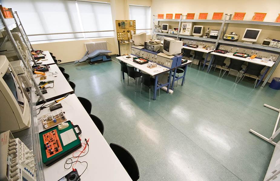 ΙΕΚ ΑΚΜΗ: Εργαστήριο Σχολής Ιατρικών Οργάνων