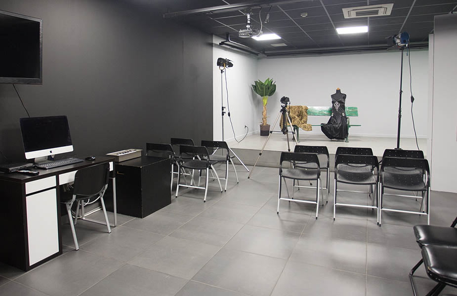 ΙΕΚ ΑΚΜΗ: Εργαστήρια σχολής Φωτογραφίας