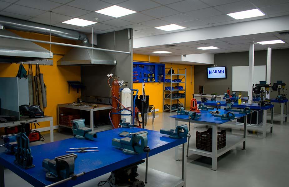 ΙΕΚ ΑΚΜΗ: Εργαστήριο Σχολής Μηχανολογίας